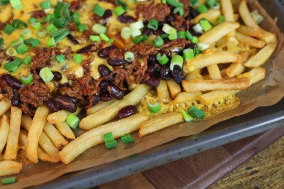 chili-cheese-fries-bohnen-kaese