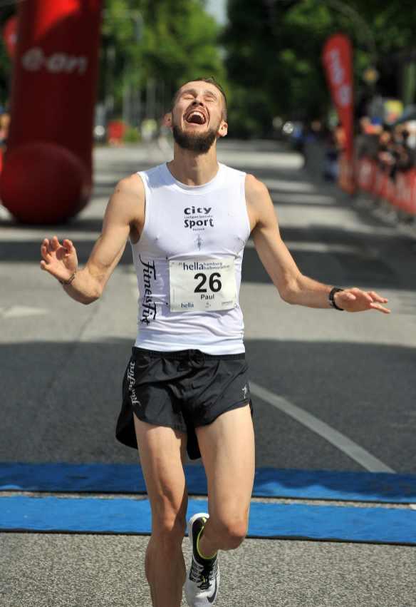 21 06 2015, 21.Hella Halbmarathon Hamburg, , # 26 Paul Schmidt