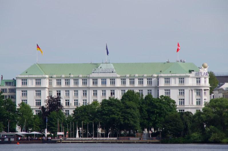 Das weltbekannte Hotel Atlantic an der Außenalster in Hamburg.