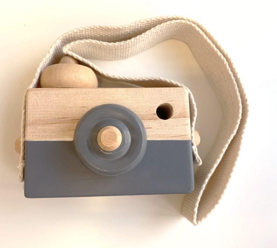 Holzkamera graublau . Die Macherei