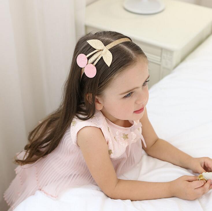 Kirsch Kinderhaarreifen in Glitzer mit rosa Kirsche . Die Macherei