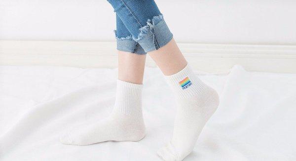 Pantone_Socks1