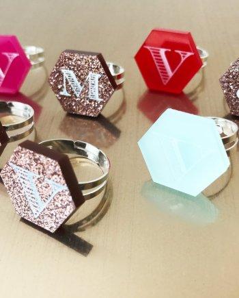 Siegelring Acryl personalisierbar in verschiedenen Farben. Die Macherei