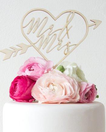 Caketopper Mr & Mrs im Herz Design für die Hochzeit. Die Macherei
