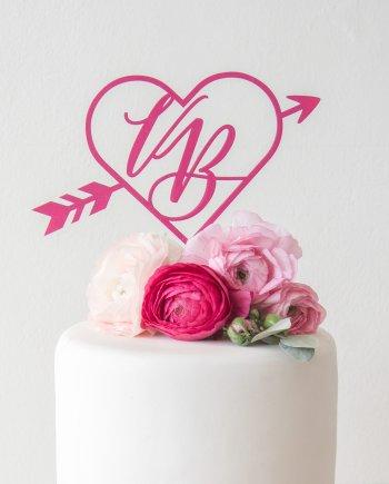 Caketopper mit Initialen personalisierbar im Herz Design für die Hochzeit. Die Macherei