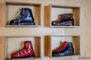 Sammlung von Skistie feln im Skimuseum. Foto: Flora Jädicke