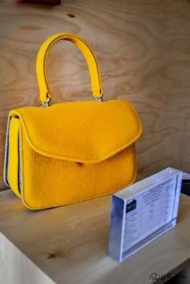 Accessoires aus Burel kann man auch in der Casa das Penhas Douradas kaufen. Foto: Flora Jädicke