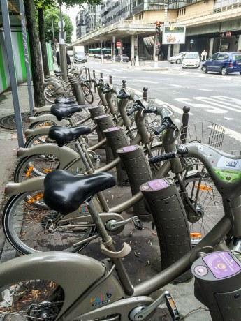 E-Bikestation in der Nähe des Bahnhofs Bercy . Foto: Flora Jädicke