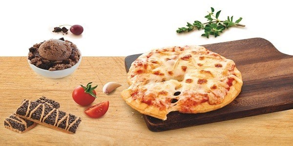 diet food pizza and ice cream