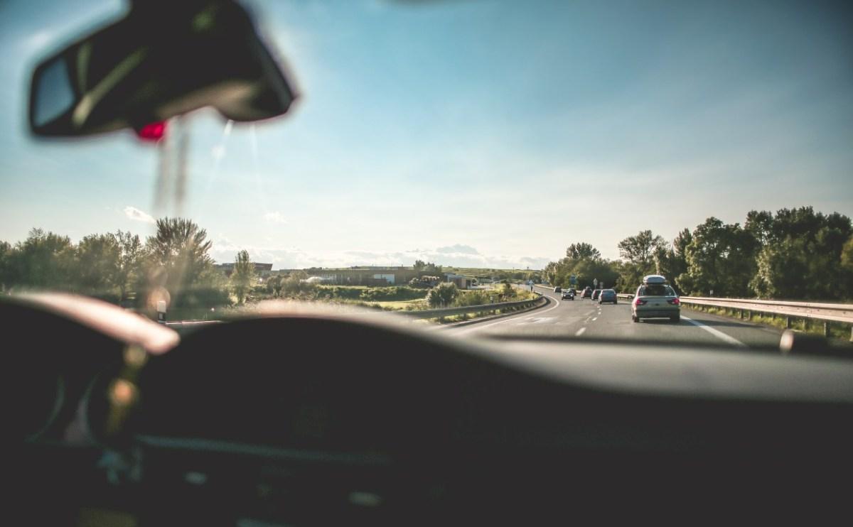Met je kinderen in de auto: 20 tips voor vermaak
