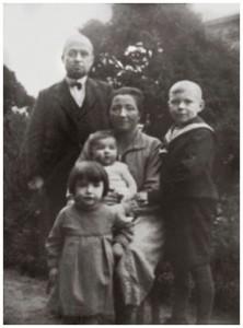 Alfred Koch 1933 mit seiner Frau Sophie und seinen Kindern Johanne, Helmut und Sophie Quelle: Familienbesitz