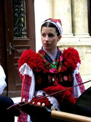 folklor2011050811282019