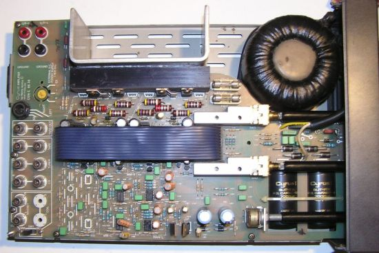 Difference Between Amplifier and Oscillator