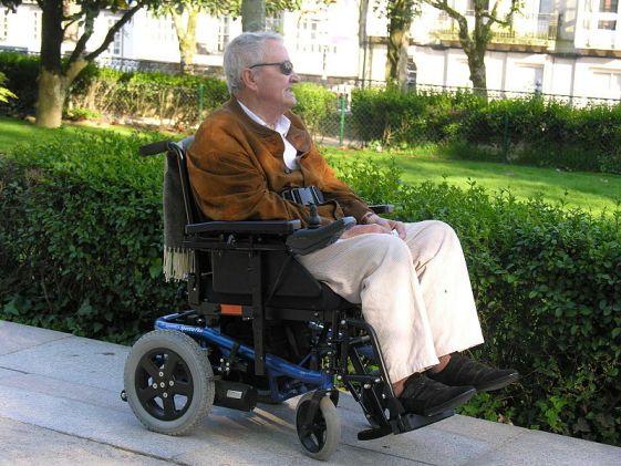 Difference Between Paraplegic and Quadriplegic