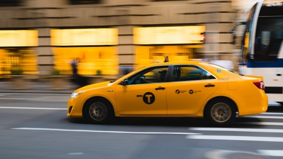 Key Difference - Uber vs Taxi