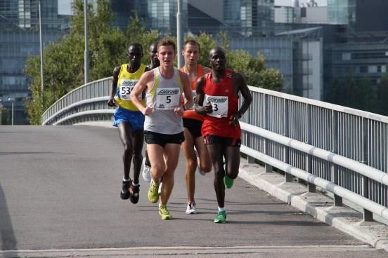Sprinter vs Marathon Runner in Tabular Form