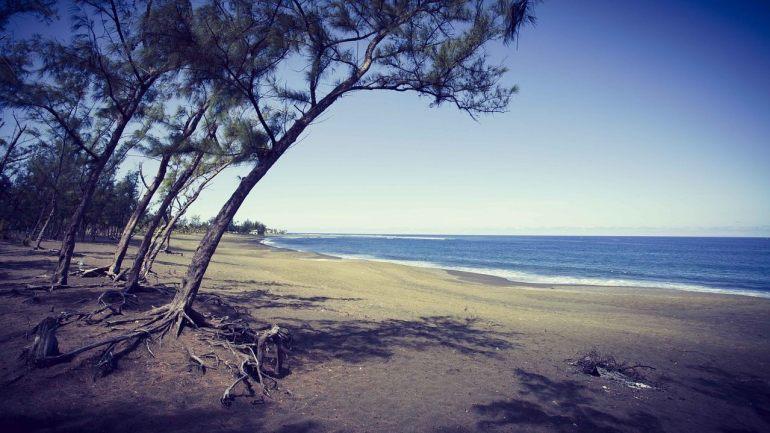 Vue d'une plage de l'île de la réunion