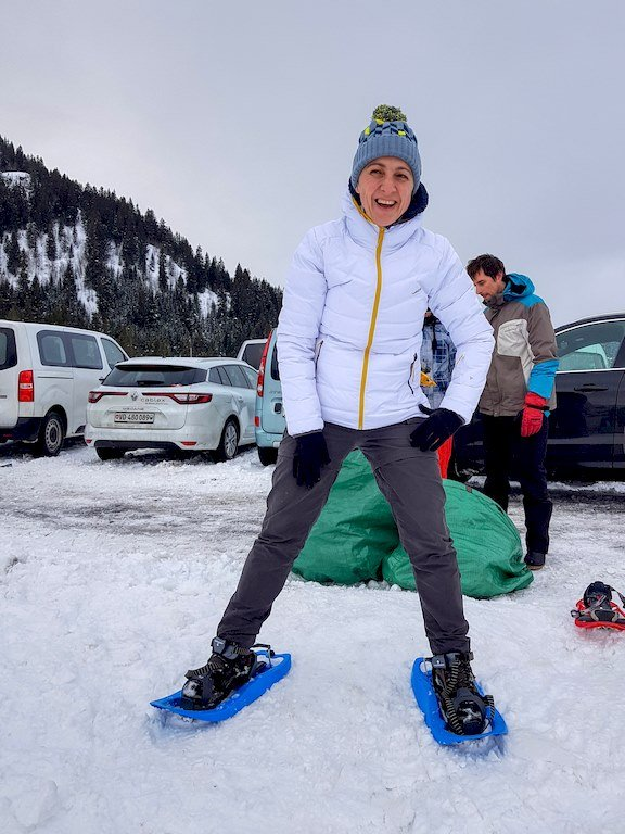 Hélène sur des raquettes de neige?
