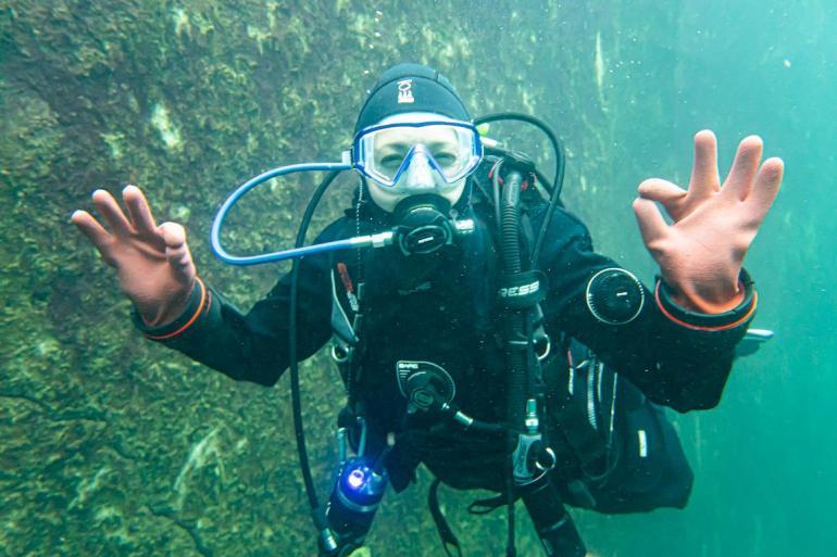 Hélène Adam lorsqu'elle est à la Croisette pour plonger avec les silures