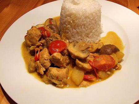 Currygulasch mit Kalb oder Huhn