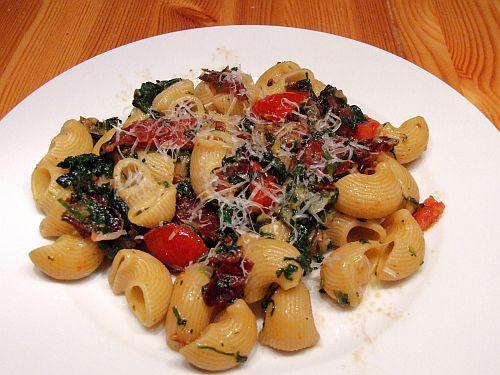 Pipe Rigate mit Prosciutto, Spinat und Parmesan