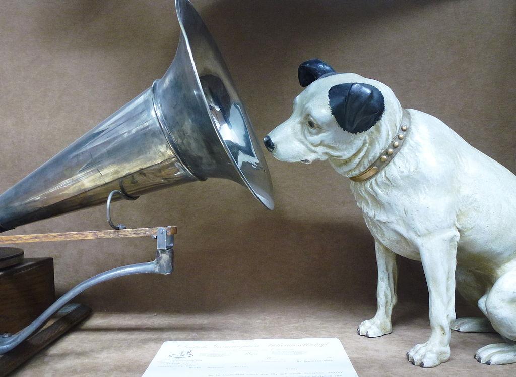 Die Faulheit und der Köter. Oder: KI ist auch bloß ein Hund – eine Glosse