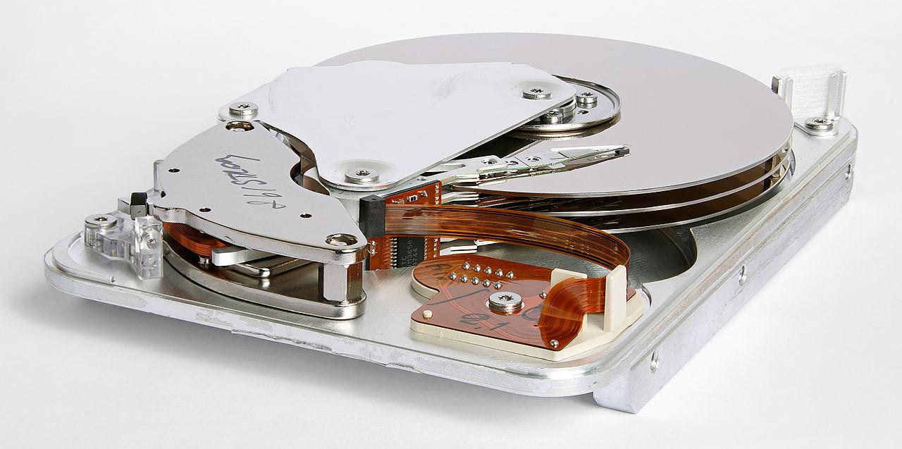 Große Fotosammlungen speichern: in der Cloud, auf HDD oder SSD? Eine Entscheidungshilfe