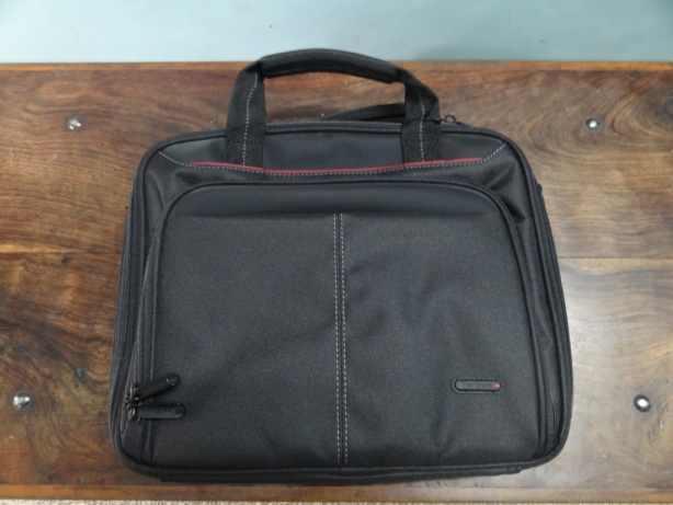Targus 10.2 Tablet Bag [Review] (1)