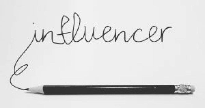 web influencer significato