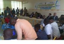 Cameroun : des jeunes formés à la réparation des téléphones présentent leurs premiers acquis