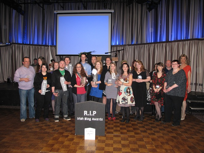 A group shot of all the winners of the Irish Blog awards 2010.
