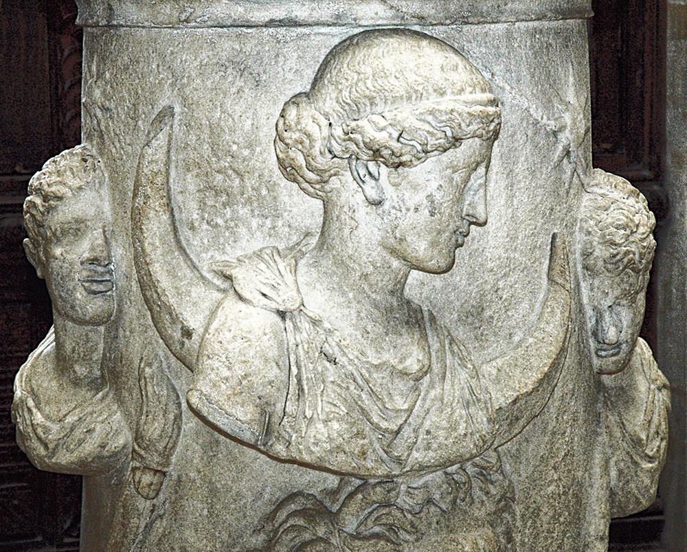 Roman altar at the Louvre, featuring Selene, Oceanus, Phosphorus (left) and Hesperus (right).