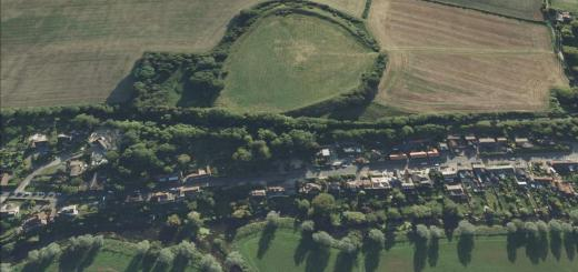 Spettisbury Rings (alt - Crawford Castle).
