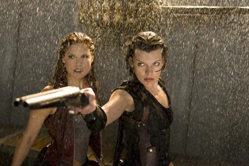 Milla Jovovich und Ali Larter - Rückkehr in RESIDENT EVIL: AFTERLIFE 3D