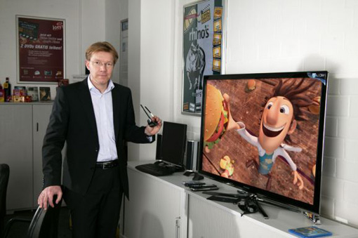 Mario Brunow, Vorstand der Video Buster Entertainment Group Holding AG mit 3DTV