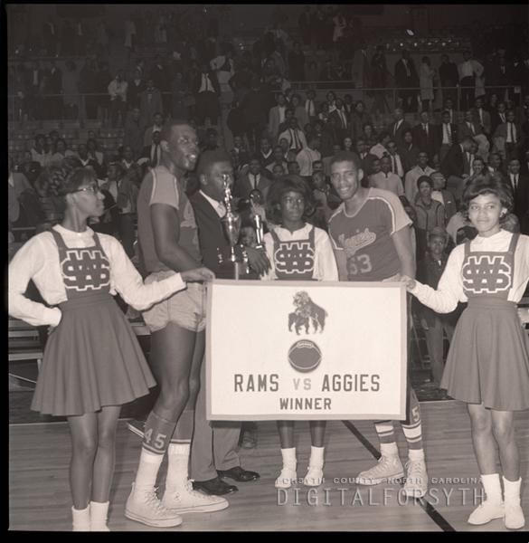 Cheerleaders - Men's Basketball NCA&T Awards