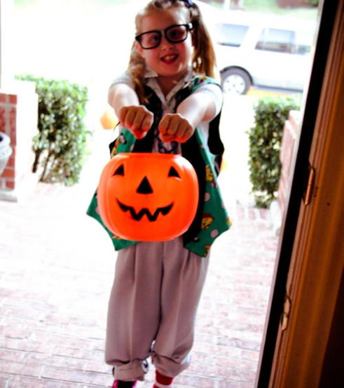 Nerd costumes ideas for girls and boys perfect for halloween girl nerd costume with pumpkin pail solutioingenieria Choice Image