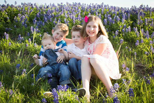 Bluebonnet photos of the kids