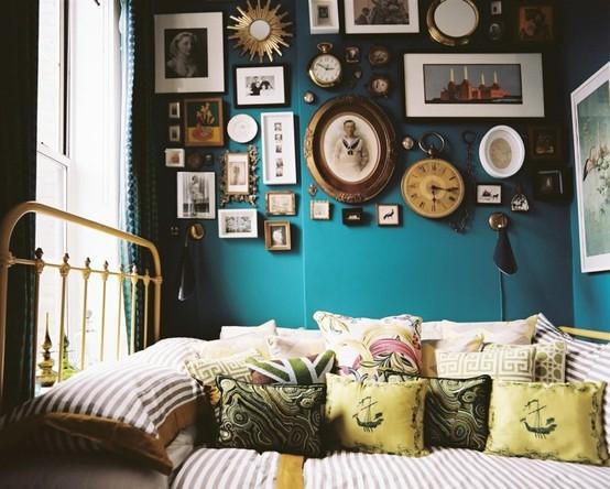 amazing-photo-wall-blue