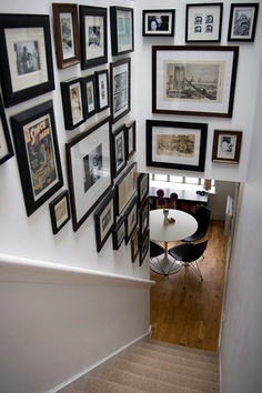 staircase-photo-wall