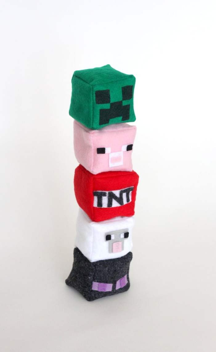 DIY Minecraft Plushes - Minecraft Crafts