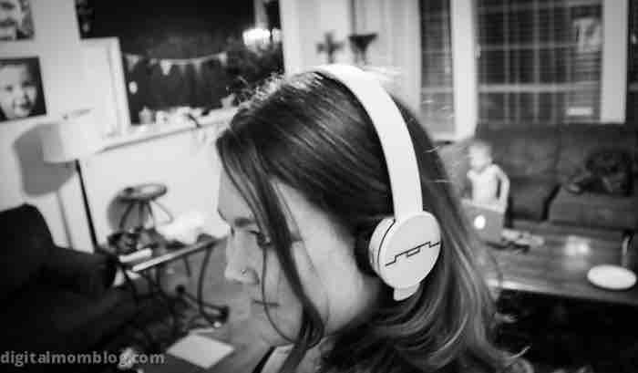 tracks air earphones