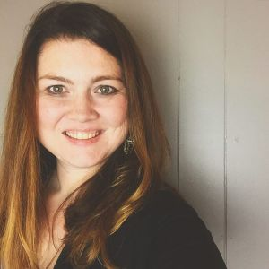 molly thornberg mom tech blogger