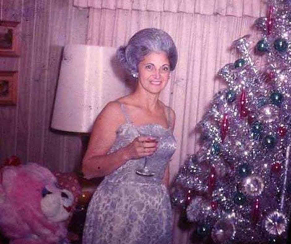 vintage-christmas-tree-photo