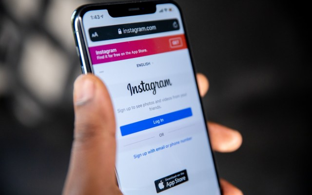 How to Add Lyrics to Any Instagram Story (13 Step Guide)