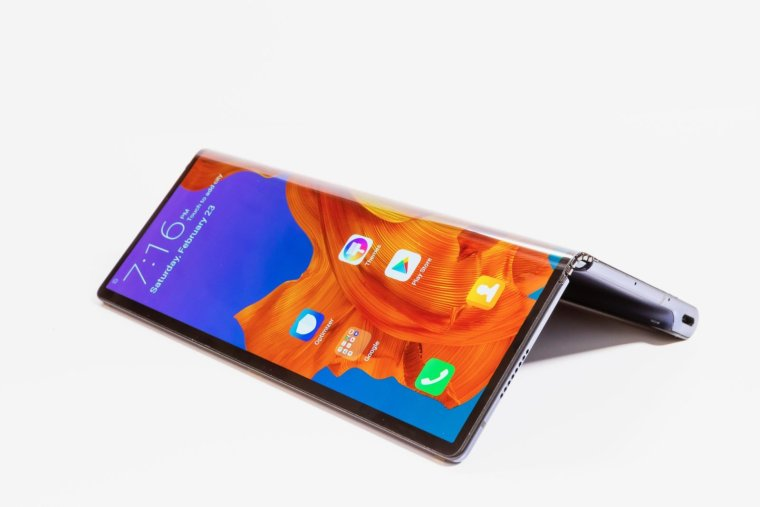 Huawei Mate X the World's First 5G Foldable Phone 2