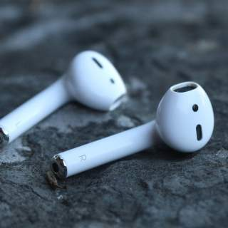 Apple AirPods Can Cause Cancer 250 Scientists Approved BBC