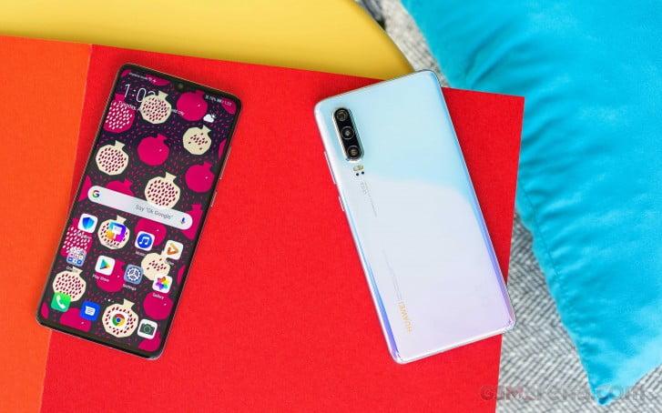 china ship smartphones ark hongmeng os