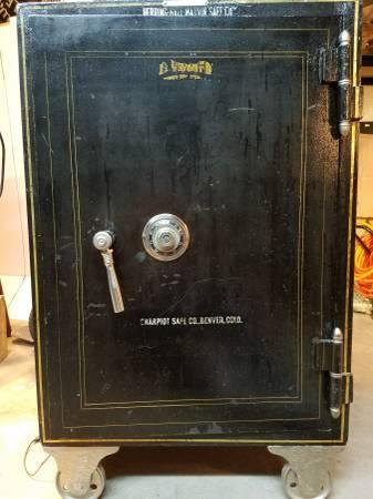 custom liquor cabinate digitalsafe
