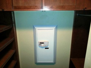 DigitalSafe DiamondWallSafe InCloset2